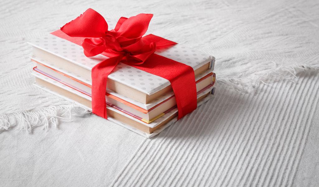 A Natale regala un libro di Follie Letterarie