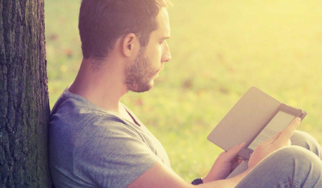 Libri d'amore: quando a leggerli è un uomo